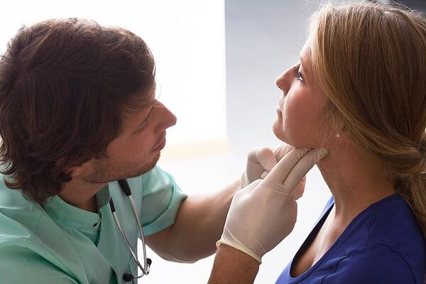 Chiropractic Care for Whiplash Injuries   Neck Pain