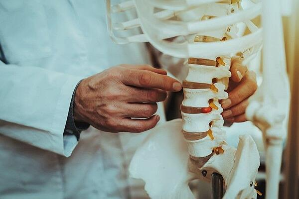 Chiropractic care for chronic pain in Decatur