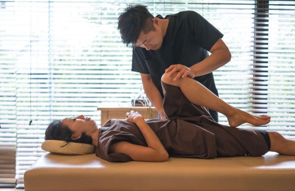 atlanta-chiropractor-treats-a-rideshare-accident-patient