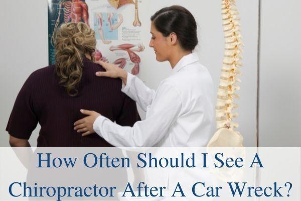 chiropractor-treating-auto-accident-patient