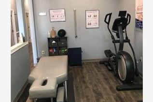 equipment-in-atlanta-chiropractic-office-