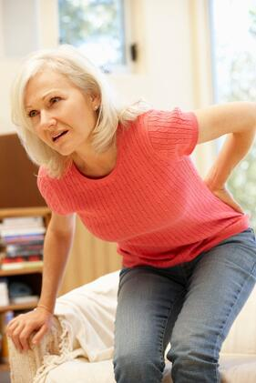 Woman Hurts Her Thoracic Spine and Needs a Chirorpactor